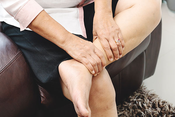 AVLC numbness in legs specialists